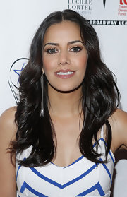 Sheetal Sheth sported a lovely center-parted feathered flip when she attended the Lucille Lortel Awards.