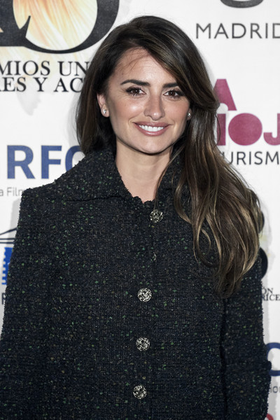 More Pics of Penelope Cruz Tweed Coat (1 of 19) - Penelope Cruz Lookbook - StyleBistro