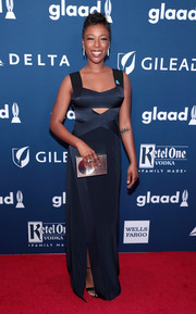 Samira Wiley walked the red carpet carrying an industrial-chic box clutch.
