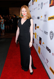 Miranda Otto chose a simple yet sultry black evening dress for the Australians in Film Awards Gala.