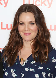 Drew Barrymore's wavy locks give her a natural, carefree vibe that makes us totally envious.