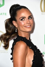 Jordana Brewster looked adorable with her wavy ponytail at the 2019 Producers Guild Awards.