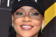 Rihanna Metallic Eyeshadow