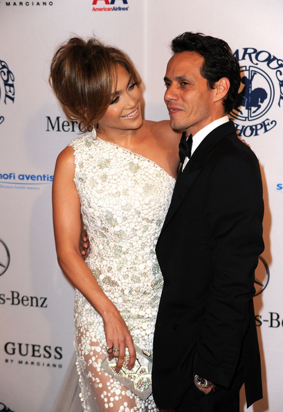 More Pics of Jennifer Lopez Loose Bun (1 of 28) - Jennifer Lopez Lookbook - StyleBistro