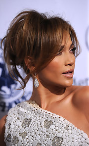 Jennifer Lopez always looks elegant when she graces the red carpet. Her voluminous updo was the perfect fit for her one-shoulder dress.