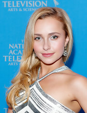 Hayden Panettiere kept her look feminine and fun with a soft bubble gum pink lip color.
