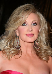Morgan Fairchild topped off her glamorous Gracie Awards ensemble with a pair of chandelier earrings.