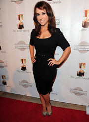 Lacey Chabert kept it simple but sexy in this knee-length LBD.