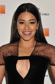 Gina Rodriguez opted for a no-frills center-parted 'do for her Kennedy Center Honors Gala look.