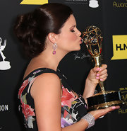 Heather Tom looked stunning in a bobby pinned updo at the Daytime Emmy Awards.