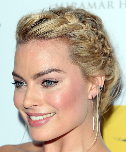 Margot Robbie's Knotted Braids