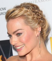 Margot Robbie looked enchanting at the Australians in Film Awards wearing this elaborate crown braid.