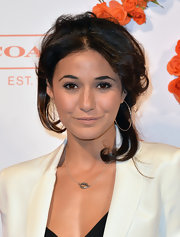 Emmanuelle Chriqui chose a simple nude lip to top off her minimal beauty look.