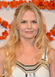 To top off her soft and sweet red carpet look, Jennifer Morrison chose a blush lipstick.