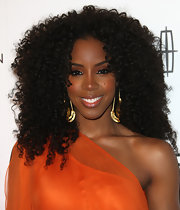 Kelly Rowland looked fabulous at the 3rd Annual 'Essence' Black Women in Music Event with her long locks in voluminous natural curls.