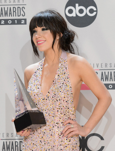 More Pics of Carly Rae Jepsen Loose Ponytail (3 of 21) - Carly Rae Jepsen Lookbook - StyleBistro