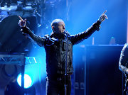 Chester Bennington was in perfect rock star form in his black leather jacket while performing at the American Music Awards.