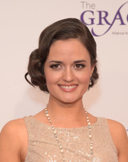 Danica McKellar looked oh-so-lovely with her finger-wave updo at the Gracie Awards.