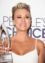 Kaley Cuoco-Sweeting styled her trademark pixie into a punky brushed-up 'do for the People's Choice Awards.