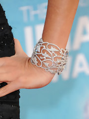 Sofia Vergara paired her gown with a striking diamond cuff bracelet at the NAACP Awards.