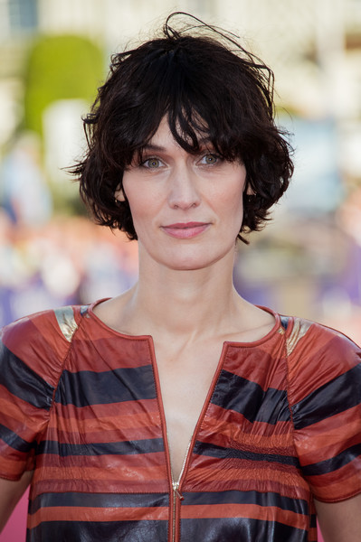 Clotilde Hesme sported a messy short 'do at the 2017 Deauville American Film Festival opening ceremony.
