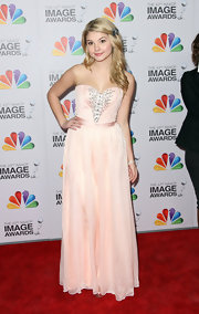 Stefanie Scott wore this lovely strapless pale blush evening dress for the NAACP Image Awards.
