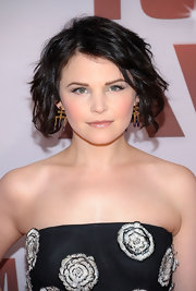 Ginnifer Goodwin wore her chin-length bob in soft, tousled waves at the 45th Annual CMA Awards.