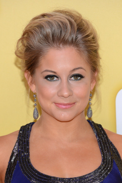 More Pics of Shawn Johnson Chignon (1 of 5) - Chignon Lookbook - StyleBistro