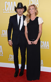 Tim McGraw is a classic cowboy through and through—and to prove it, he wore this fancy, slick style to the CMA Awards 2012.