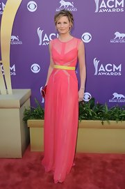 Jennifer Nettles wore this pink lacy number with a contrast waistband to the Academy of Country Music Awards.