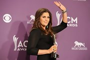 Hillary Scott attended the 47th Annual Academy of Country Music Awards wearing a yellow gold ring featuring a moon stone and sapphires.