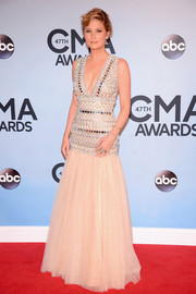 Jennifer Nettles was a stunner at the CMA Awards in a Naeem Khan gown featuring a tight-fitting beaded bodice and a tulle skirt.