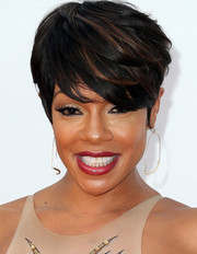 Wendy Raquel Robinson looked cool and trendy with her emo bangs at the 2016 NAACP Image Awards.