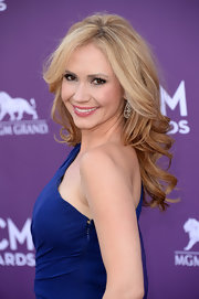 Ashley Jones' long curls cascaded down her back and gave her a glamorous red carpet look.