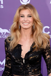 Faith Hill looked natural and timeless with a shiny lip gloss.