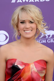 Carrie Underwood kept it simple and chic with a light pink lip gloss.