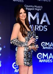 Kacey Musgraves sported a statement cluster ring to complement her sequined dress at the 2014 CMA Awards.