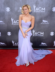 Kellie Pickler was a vision at the ACM Awards in a lavender Romona Keveza strapless gown with a super-long train.