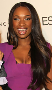 Jennifer Hudson framed her face with long straight locks parted down the center.