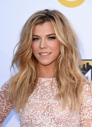 Kimberly Perry rocked teased waves at the Academy of Country Music Awards.