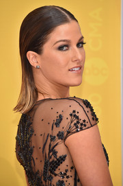 Cassadee Pope attended the CMA Awards wearing a slicked-down center-parted 'do.