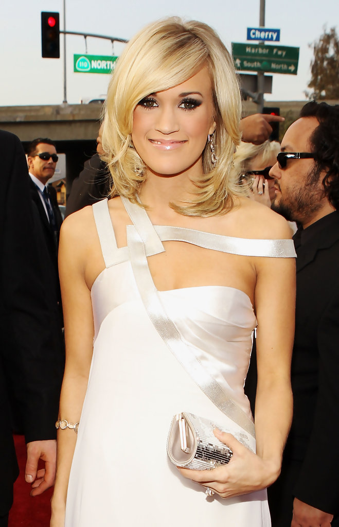 More Pics Of Carrie Underwood Medium Layered Cut 2 Of 21