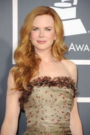 Nicole Kidman added large curls to her mane at the 2011 Grammy Awards.
