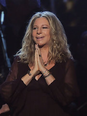 Barbra Streisand's center-parted wavy 'do at the Grammy Awards had a boho feel.