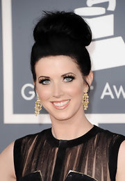 Shawna Thompson finished off her Grammy look with a big top knot.