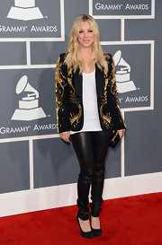 Kaley Cuoco showed off her rocker edge with a pair of leather skinny pants at the 2013 Grammy Awards.
