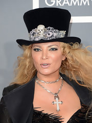 Cindy Valentine rocked a top hat with jeweled skull designs at the 2013 Grammys.
