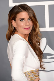 Michele Pesce chose a glamorous long wavy cut that showed off her stylish earrings at the 2013 Grammys.