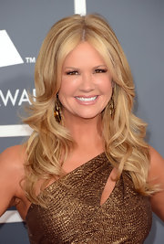 Nancy O'Dell was gold from head to toe at the 2013 Grammys. The TV personality's hair was styled with her classic blonde hue and long wavy curls for added pizazz.
