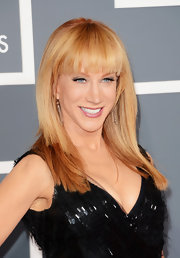 Kathy Griffin kept her beauty look natural at the 2013 Grammys, especially with a simple, straight 'do with bangs.